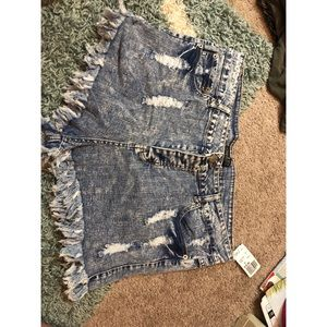 NWT dark acid wash forever 21+ jean shorts